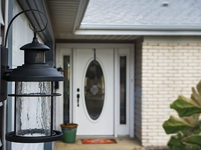 Turn outdoor lighting into outdoor living with Dualux® dual-level technology